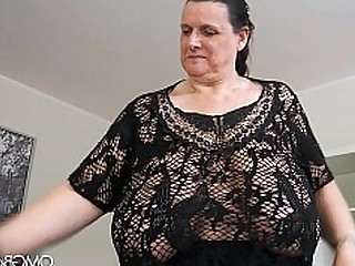 Amateur Boobs Bus Busty BBW Hairy Juicy Mammy
